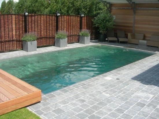 Zwembad boordstenen for Groot rond zwembad