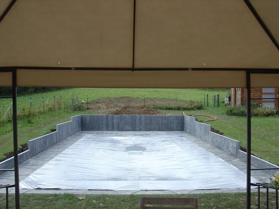 Polyester zwembaden plaatsen for Polyester zwembad plaatsen